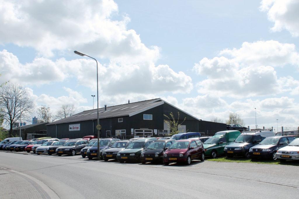 Overzichttsfoto van het aanbod goedkope tweedehands autos bij Lettinga in Drachten